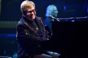Elton John, Farewell Yellow Brick Road