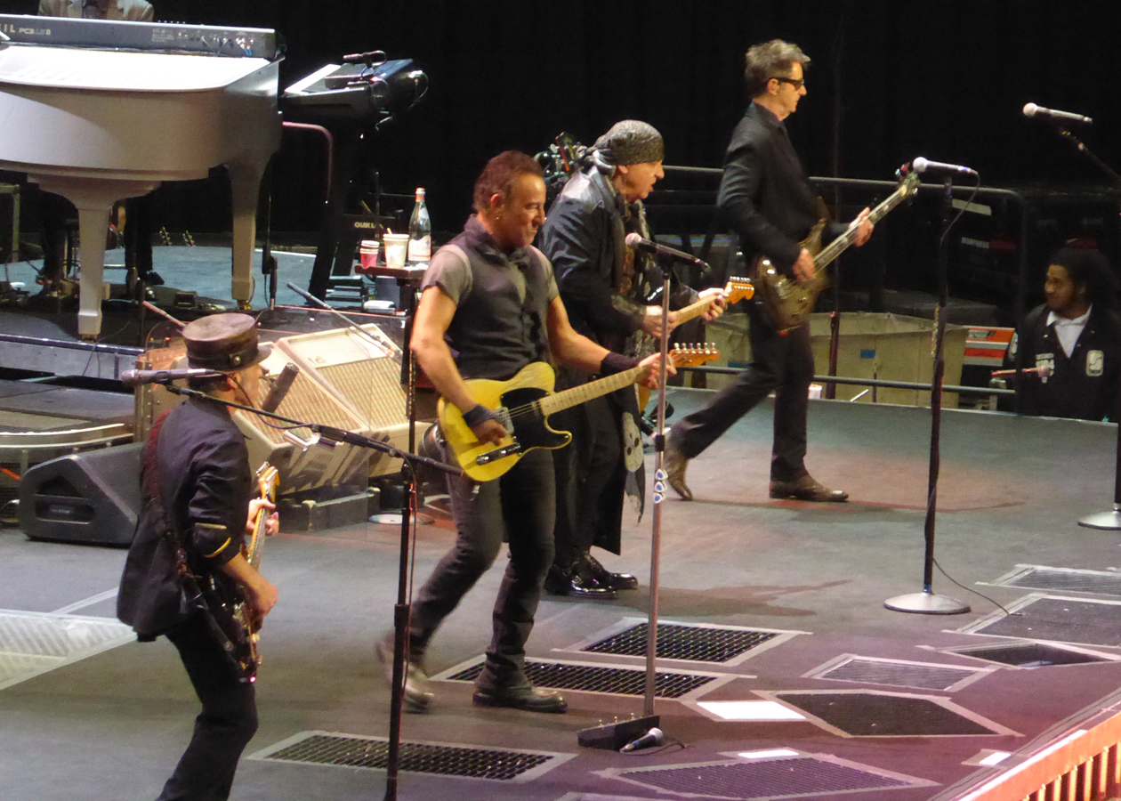 REVIEW: Bruce Springsteen reflects on 'The River' in Oakland