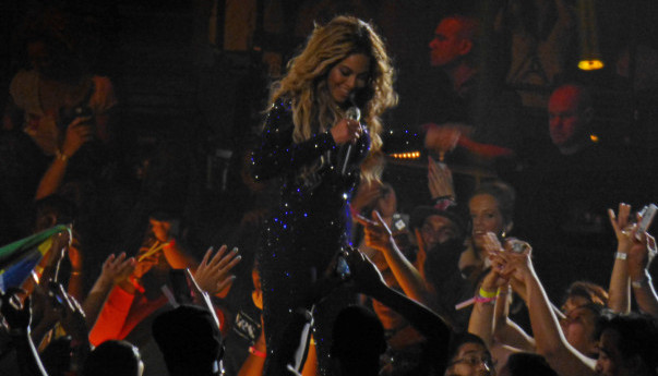 Photos & videos: Beyonce at HP Pavilion in San Jose - 7/2