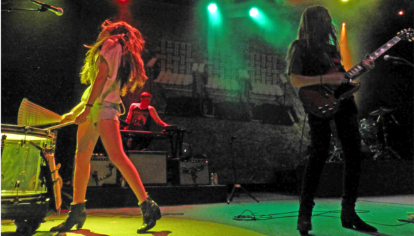 Review: At The Fillmore, Haim reunites the family band