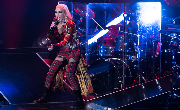 Review, photos: Gwen Stefani reimagines No Doubt at Shoreline