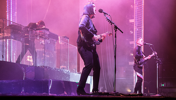 Review, photos: The xx begins U.S. tour at Bill Graham Civic