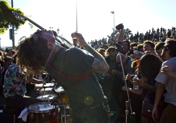 Review: Oh Sees lead a punk invasion at Phono del Sol