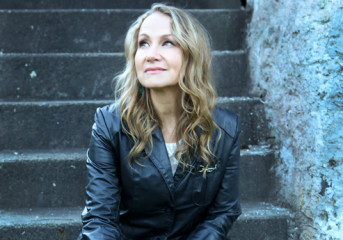 INTERVIEW: Joan Osborne comes full circle with album of Bob Dylan covers
