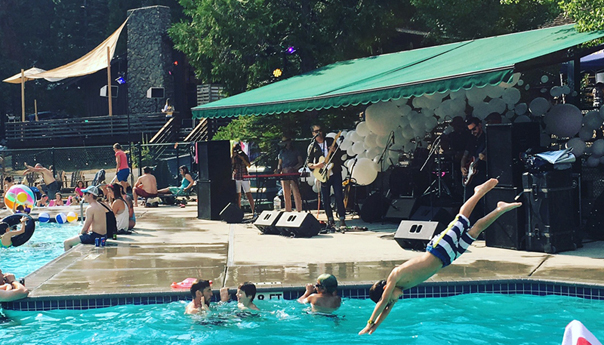 REVIEW: Chuck Prophet tailor-made for poolside performance at Bear Music Fest