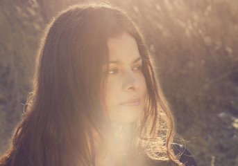 REVIEW: Mazzy Star singer Hope Sandoval shines with The Warm Inventions in Berkeley