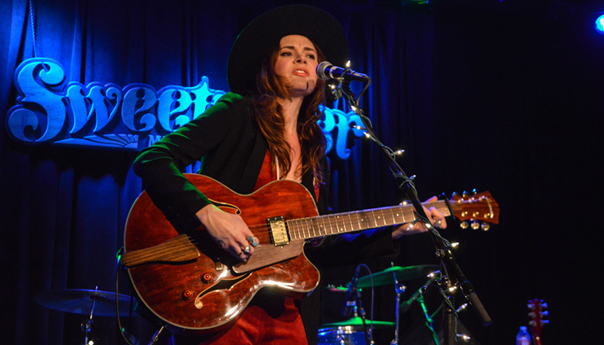 REVIEW: Suzanne Santo of HoneyHoney a powerhouse at Sweetwater Music Hall