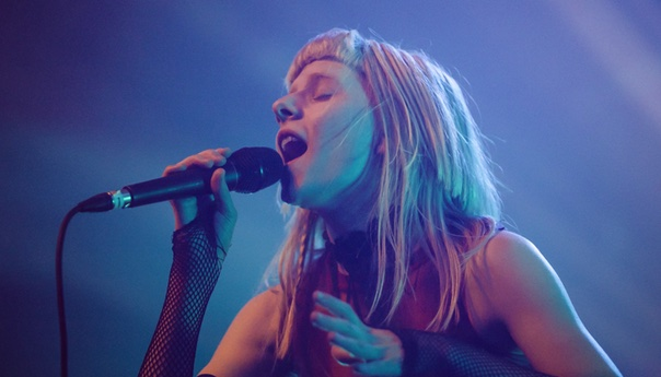 REVIEW: Aurora brings her 'Queendom' to L.A.'s Fonda Theatre