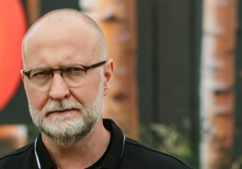 ALBUM REVIEW: Bob Mould plays with his sound on 'Sunshine Rock'