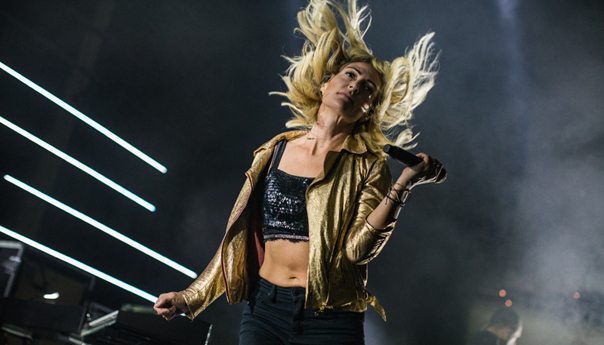 PHOTOS: Metric and Zoé lead lineup of contrasting indietronica at the Masonic