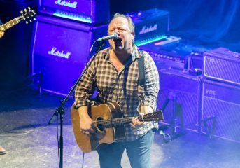 REVIEW: Pixies fire on all cylinders, dig deep into songbook at August Hall