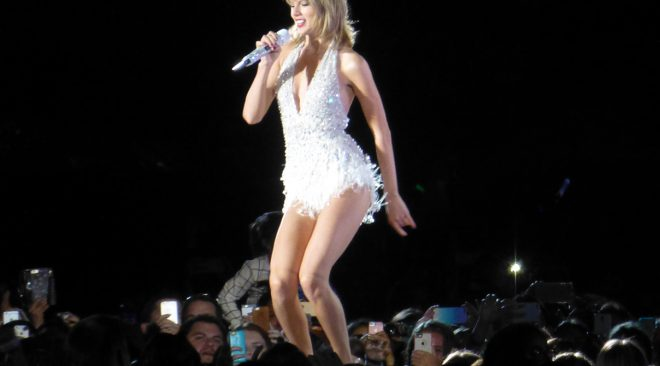 REVIEW: Taylor Swift draws diverse crowd at Levi's Stadium 1989 World Tour stop