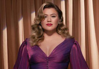 Kelly Clarkson celebrates the season on 'When Christmas Comes Around...'