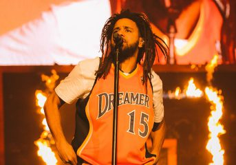 PHOTOS: J. Cole and 21 Savage hit the court at Oakland Arena