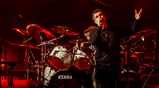 PHOTOS: System of a Down brings Korn and chaos to Oakland Arena